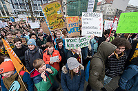 "22 MAR 2019, BERLIN/GERMANY:<br /> Kinder, Schueler und Jugendliche demonstrieren bei einer Demo ""Fridays for Future"" fuer mehr Klimaschutz, Invalidenpark<br /> IMAGE: 20190322-01-007<br /> KEYWORDS: Demonstration, Protest, portester, Youth, Clima, climate change, Demonstranten, Klimarettung, Demo, Schulstreik, Streik, Schüler, Klimawandel."