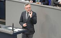 DEU, Deutschland, Germany, Berlin, 23.04.2021: Deutscher Bundestag, Michael Roth (SPD), Staatsminister für Europa im Auswärtigen Amt, bei einer Rede in der Plenarsitzung.
