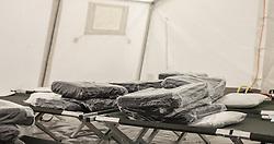24.05.2015, Polizeidirektion, Salzburg, AUT, Zeltstadt fuer Fluechtlinge in Salzburg, im Bild Innenasicht der Zelt mit Bettten // Interior View with beds of the tent city at the sports ground of the Police Directorate, Salzburg, Austria on 2015/05/24. EXPA Pictures © 2015, PhotoCredit: EXPA/ JFK