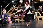 Open repetitie HAIR in de studio van Stage Entertainment.<br /> <br /> op de foto:  William Spaaij en Anouk Maas