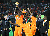 Fotball<br /> Afrika Cup / Afrikamesterskapet<br /> 08.02.2015<br /> Elfenbenskysten v Ghana <br /> Finale<br /> Foto: imago/Digitalsport<br /> NORWAY ONLY<br /> <br /> Yaya Gnegneri Toure of Cote d Ivoire holds the trophy of Africa Cup of Nations during the awarding ceremony in Bata, Equatorial Guinea, Feb. 8, 2015. Cote d Ivoire won the champion after beating Ghana 9-8 in penalty kicks of the final on Sunday.