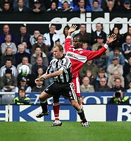 Photo. Andrew Unwin, Digitalsport<br /> Newcastle United v Middlesbrough, Barclays Premiership, St James' Park, Newcastle upon Tyne 27/04/2005.<br /> Newcastle's Alan Shearer (L) holds off Middlesbrough's Ugo Ehiogu (R).
