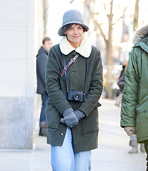 EXCLUSIVE: Katie Holmes heads out to see the show at the Metropolitan Museum of Art, 'Michelangelo; Divine Draftsman and Designer.'. 15 Jan 2018 Pictured: Katie Holmes. Photo credit: ZapatA/MEGA TheMegaAgency.com +1 888 505 6342