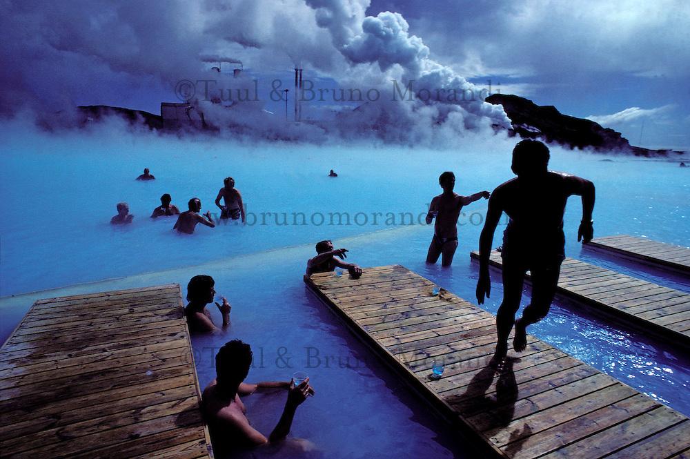 Iceland, Grindavik, Blue lagon, Geothermal factory and swimming pool, Hot bath // Islande, Grindavik, Piscine proche d'une usine géothermique, bain chaud