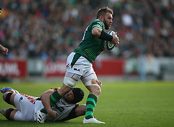 London Irish's Sean O'Brien (right) is tackled by Leicester Tigers' Marco van Staden during the Gallagher Premiership match at the Brentford Community Stadium, London. Picture date: Saturday October 9, 2021.