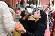 India, Rajasthan, Jaipur People in the market