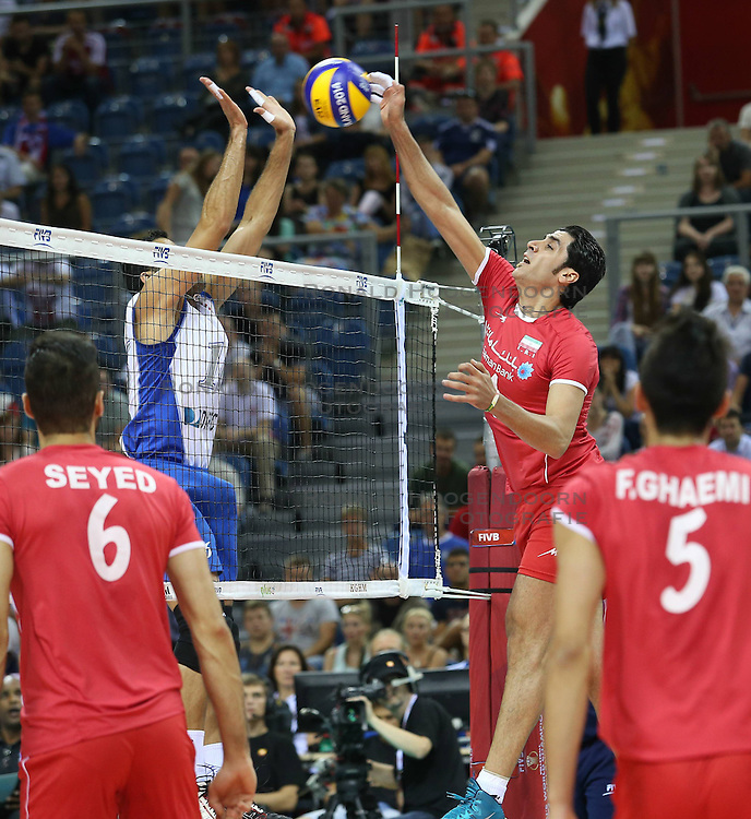 07.09.2014, Krakow Arena, Krakau, POL, FIVB WM, Iran vs Puerto Rico, Gruppe D, im Bild SHAHRAM MAHMOUDI (P) // during the FIVB Volleyball Men's World Championships Pool D Match beween Iran and Puerto Rico at the Krakow Arena in Krakau, Poland on 2014/09/07. <br /> <br /> ***NETHERLANDS ONLY***