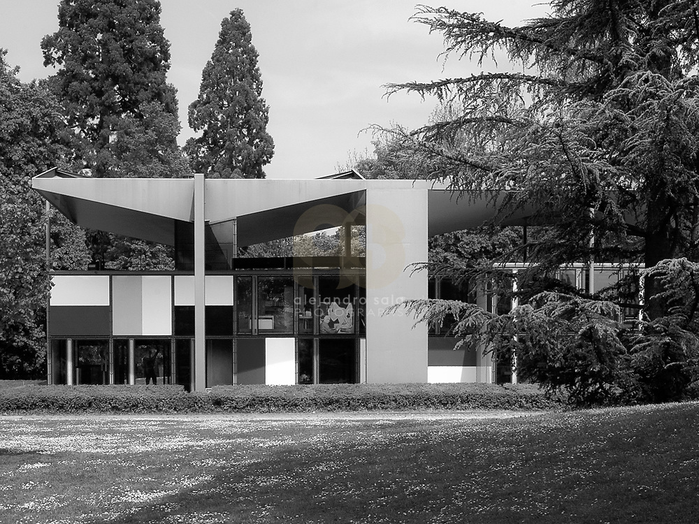 Zurich, Switzerland, 2007: View of the Maison d' Home from the park-(west facade)-1963-, by Le Corbusier arch. Photograph by Alejandro Sala | Visit SHOP Images to purchase a digital file,  explore other Alejandro Sala images. |  AS • Atelier• Architecture + Photography