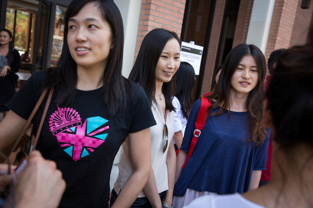 International students at USC take part in a speed greeting exercise to get to know one another.