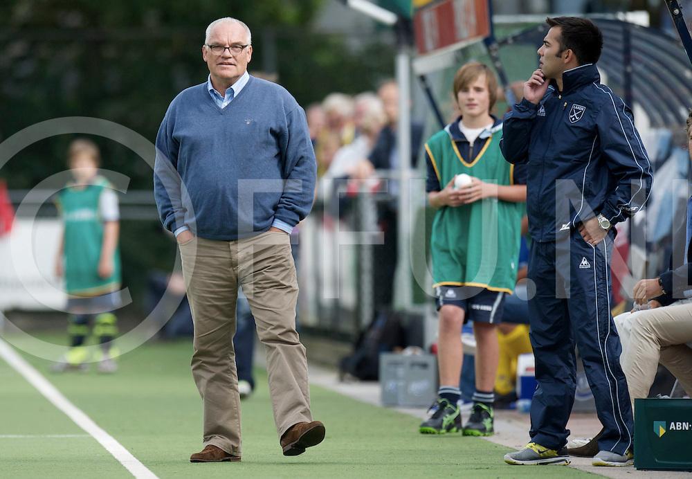 LAREN - Laren v Voordaan heren.<br /> foto: coach Joost Bellaart<br /> FFU PRESS AGENCY COPYRIGHT FRANK UIJLENBROEK