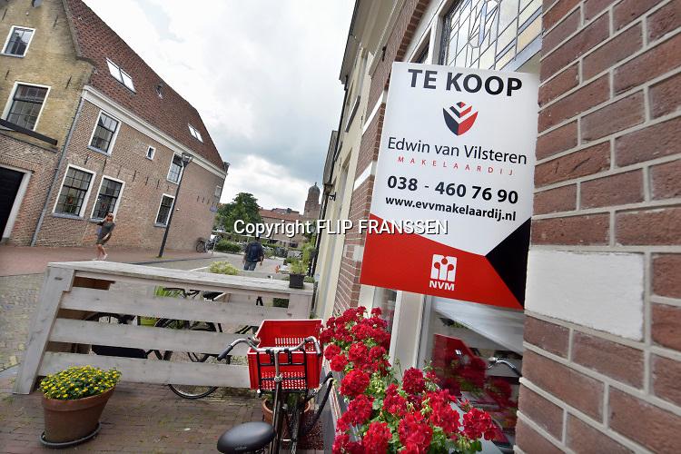 Nederland, Zwolle, 21-6-2019Huizen die te koop staan. huis te koop in het oude centrum, binnenstad, van proivinciestad Zwolle in de provincie Overijssel .Foto: Flip Franssen