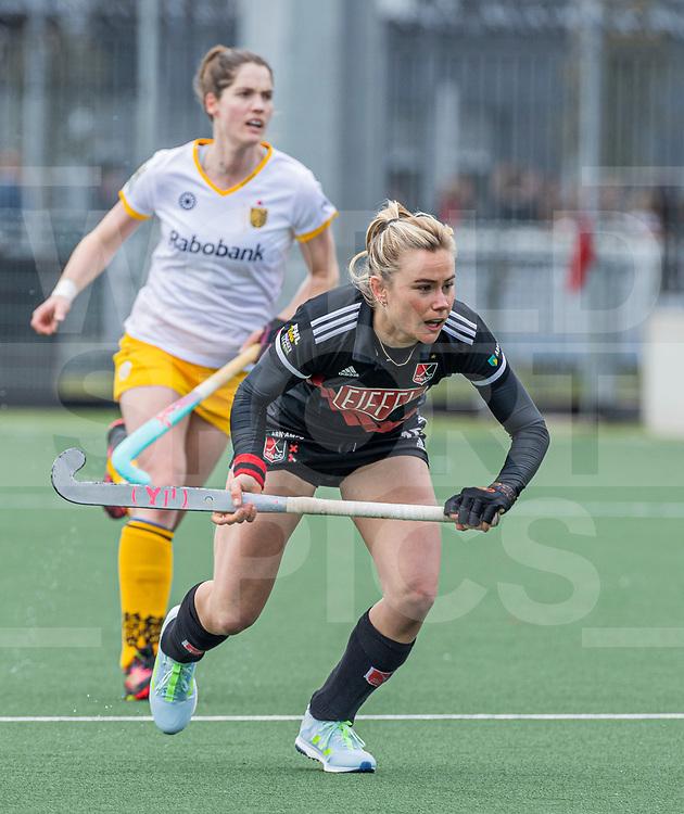 AMSTELVEEN -  Freeke Moes (Adam)  tijdens  de hoofdklasse hockey competitiewedstrijd dames, Amsterdam-Den Bosch (0-1)  COPYRIGHT WORLDSPORTPICS KOEN SUYK