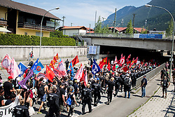 06.06.2015, Garmisch Partenkirchen, GER, G7 Gipfeltreffen auf Schloss Elmau, Circa 5000 Menschen demonstrieren in Garmisch-Patenkirchen gegen den G7-Gipfel im benachbarten Elmau, im Bild Übersicht auf die Demo // uring Protest of the G7 opponents prior to the scheduled G7 summit which will be held from 7th to 8th June 2015 in Schloss Elmau near Garmisch Partenkirchen, Germany on 2015/06/06. EXPA Pictures © 2015, PhotoCredit: EXPA/ Eibner-Pressefoto/ Gehrling<br /> <br /> *****ATTENTION - OUT of GER*****