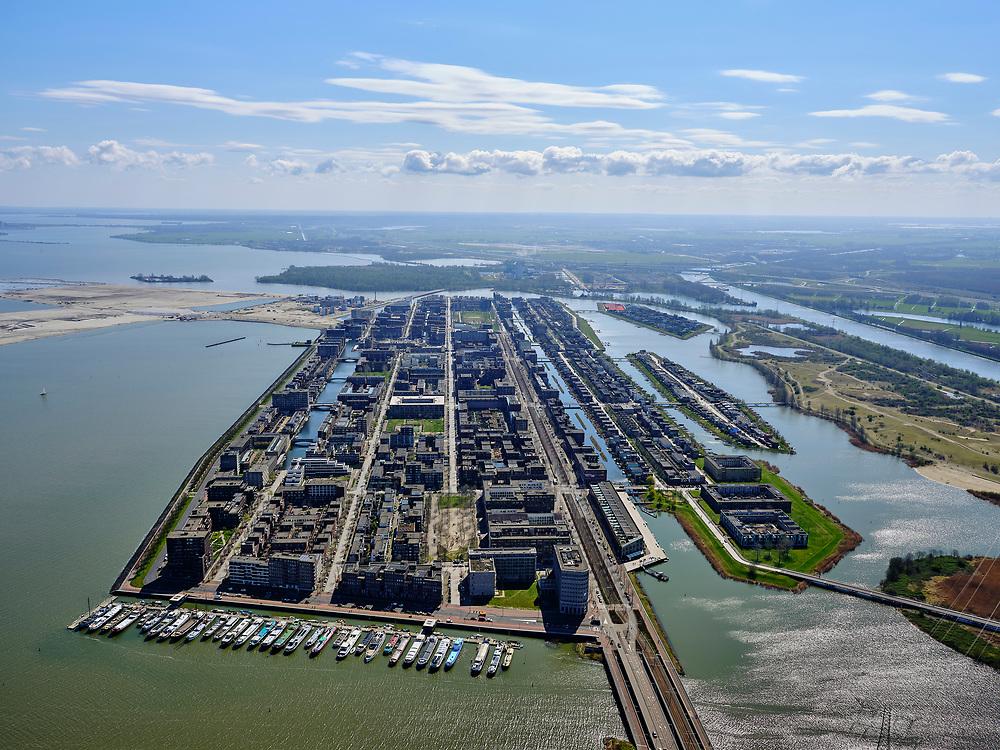 Nederland, Noord-Holland, Amsterdam; 16-04-2021; IJburg, Haveneiland-West. IJburglaan en jachthaven aan de Cas Oorthuyskade.<br /> IJburg, Haveneiland-West. IJburglaan and marina at Cas Oorthuyskade.<br /> luchtfoto (toeslag op standard tarieven);<br /> aerial photo (additional fee required)<br /> copyright © 2021 foto/photo Siebe Swart