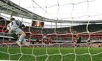 Dirk Kuyt Scores Equaliser from the penalty spot past Arsenal's Wojcieech Szczesny<br />Liverpool 2010/11<br />Arsenal V Liverpool (1-1) 17/04/11<br />The Premier League<br />Photo: Robin Parker Fotosports International