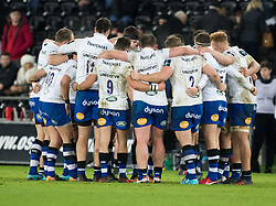 Bath Rugby players huddle at half time<br /> <br /> Photographer Simon King/Replay Images<br /> <br /> Anglo-Welsh Cup Round 4 - Ospreys v Bath Rugby - Friday 2nd February 2018 - Liberty Stadium - Swansea<br /> <br /> World Copyright © Replay Images . All rights reserved. info@replayimages.co.uk - http://replayimages.co.uk