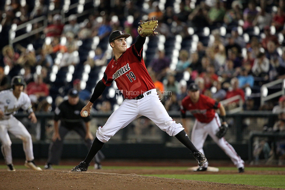 Nick Burdi #19 of the Louisville Cardinals pitches during Game 2 of the 2014 Men's College World Series between the Vanderbilt Commodores and Louisville Cardinals at TD Ameritrade Park on June 14, 2014 in Omaha, Nebraska. (Brace Hemmelgarn)