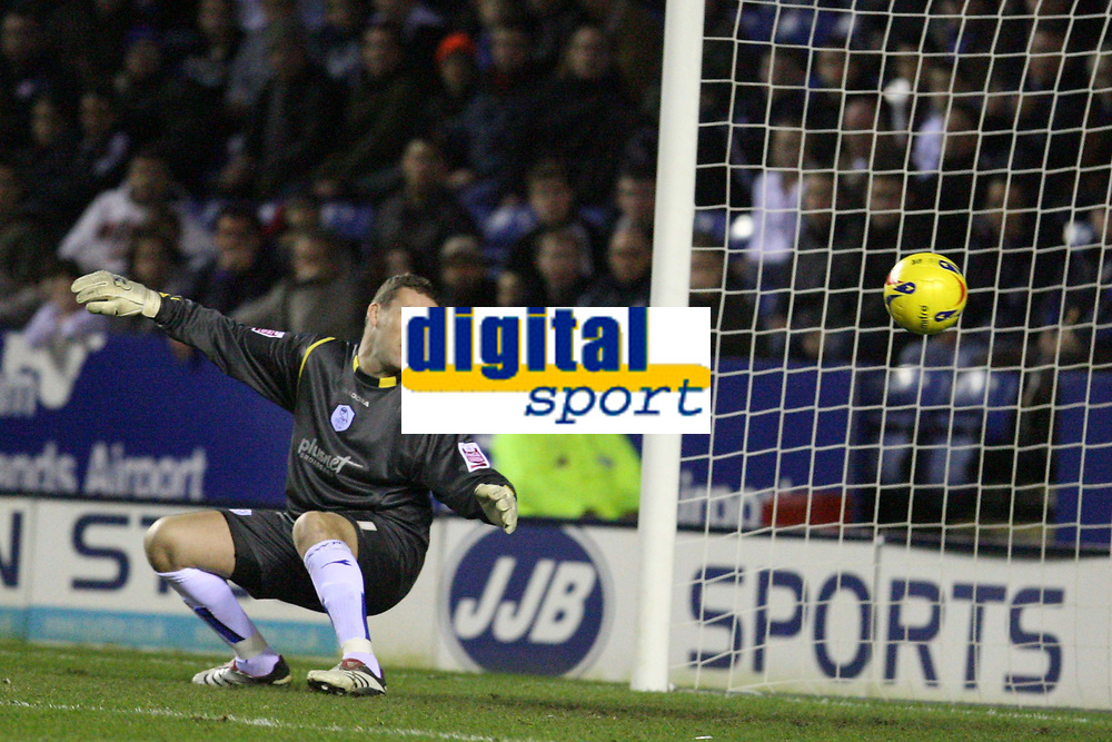 Photo: Pete Lorence.<br />Leicester City v Sheffield Wednesday. Coca Cola Championship. 02/12/2006.<br />Stephen Hughes' long range shot flies past Max Crossley to open the scoring for Leicester.