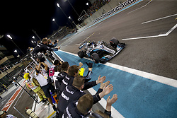 November 26, 2017 - Abu Dhabi, United Arab Emirates - Motorsports: FIA Formula One World Championship 2017, Grand Prix of Abu Dhabi, ..#77 Valtteri Bottas (FIN, Mercedes AMG Petronas F1 Team) (Credit Image: © Hoch Zwei via ZUMA Wire)