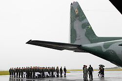 CHAPECO (BRAZIL), Dec. 3, 2016 (Xinhua) -- Photo provided by Brazil's Presidency shows soldiers ready to carry caskets of the members of the Brazilian soccer team Chapecoense who were killed in an air crash in Colombia, at the Chapeco Airport in Chapeco, Brazil, on Dec. 3, 2016. (Xinhua/Brazil's Presidency/Beto Barata) (Credit Image: © Brazil'S Presidency/Xinhua via ZUMA Wire)