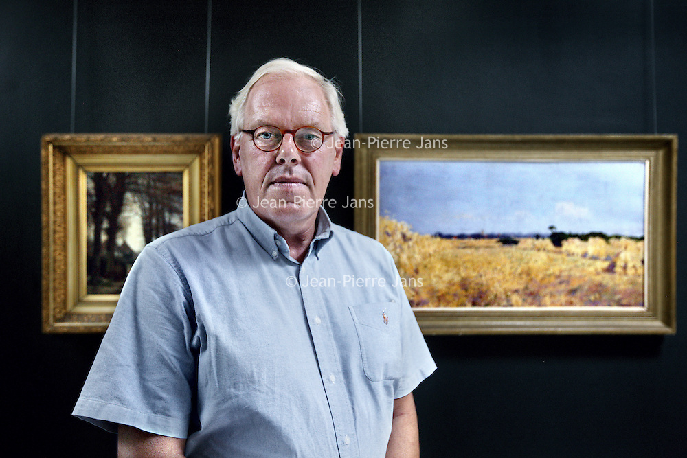 Nederland, Laren ,21 juli 2014.<br /> Leen van der Pols, voormalig leider van het rampen identificatieteam.<br /> Foto:Jean-Pierre Jans