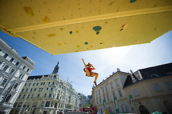 01.08.2015, Mariahilfer Straße, Wien, AUT, ISFC, Free Solo Masters MAHÜ, Qualifikation II, im Bild Katharina Luftensteiner (AUT) // during qualification of the ISFC Free Solo Masters MAHÜ at the Mariahilfer Strasse in Vienna, Austria on 2015/08/01. EXPA Pictures © 2015, PhotoCredit: EXPA/ Michael Gruber