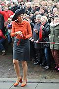 Streekbezoek van Koning Willem-Alexander en Koningin Máxima aan de Groningse en Drentse Veenkoloniën<br /> <br /> Visit of King Willem-Alexander and Queen Maxima at the Groningen and Drenthe peat.<br /> <br /> Op de foto / On the photo: Aankomst bij het Veenkoloniaal museum / Arrival at the museum Veenkoloniaal
