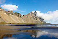 Islande, fjord de l est, plage a Stokksnes // Iceland, Eastfjords, Stokksnes beach