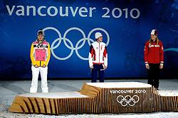 14-02-2010 ALGEMEEN: OLYMPISCHE SPELEN: CEREMONIE: VANCOUVER<br /> Ceremonie 3000 meter schaatsen / vrnl. Kristina Groves CAN, Martina Sablikova CZE en Stephanie Beckert GER <br /> ©2010-WWW.FOTOHOOGENDOORN.NL