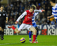 Photo: Leigh Quinnell/Sportsbeat Images.<br /> Reading v Arsenal. The FA Barclays Premiership. 12/11/2007. Alex Hleb fires in a shot on goal for Arsenal.