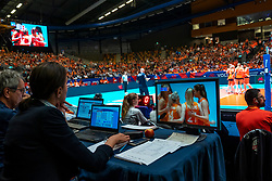 29-05-2019 NED: Volleyball Nations League Netherlands - Bulgaria, Apeldoorn<br /> Centercourt view from Jury table