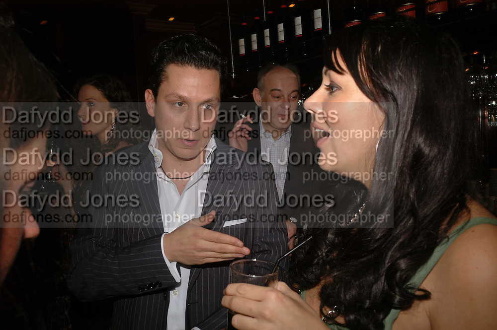 Nick Gold and Martine McCutcheon, Spring party at Frankie Dettori's bar and Grill. 3 Yeoman's Row. London sw3. 10 April 2006. ONE TIME USE ONLY - DO NOT ARCHIVE  © Copyright Photograph by Dafydd Jones 66 Stockwell Park Rd. London SW9 0DA Tel 020 7733 0108 www.dafjones.com