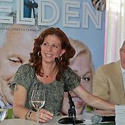 NLD/Ridderkerk/20110526 - Presentatie Helden magazine 9, Frits Barend en dochter Barbara Barend