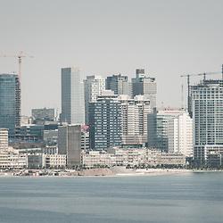 Vista aérea da cidade Luanda, capital de Angola. Luanda vista da Ilha de Luanda
