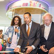 NLD/Almere/20170628 - Opening Ali B. muziek Kids Studio in Almere, Ali Bouali, burgervader Franc Weerwind en Wethouder Frits Huis