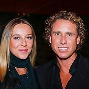 NLD/Rotterdam/20121129 - Premiere Hans Klok Experience show, Michael Boogerd en zwangere partner Darya Nucci