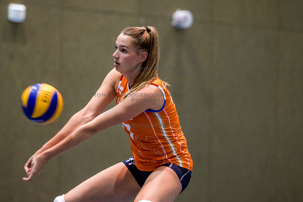 10-05-2018 NED: Training Dutch volleyball team women, Arnhem<br /> Nicole Oude Luttikhuis #17 of Netherlands