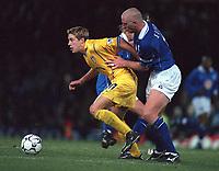 Alan Smith (Leeds) and Matt Elloitt (Leicester). Leicester City v Leeds United. FA Premiership, 2/12/00. Credit: Colorsport / Nick Kidd.