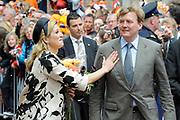 Koninginnedag 2010 . De Koninklijke familie in het zeeuwse  Middelburg. / Queensday 2010. De Royal Family in Middelburg.<br /> <br /> op de foto / on the photo Prins Willem-Alexander en Prinses Maxima