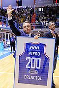DESCRIZIONE : Brindisi  Lega A 2015-16 Enel Brindisi Pasta Reggia Juve Caserta<br /> GIOCATORE : Piero Bucchi<br /> CATEGORIA : Allenatore Coach Before Pregame mani<br /> SQUADRA : Enel Brindisi<br /> EVENTO : Enel Brindisi Pasta Reggia Juve Caserta<br /> GARA :Enel Brindisi  Pasta Reggia Juve Caserta<br /> DATA : 24/04/2016<br /> SPORT : Pallacanestro<br /> AUTORE : Agenzia Ciamillo-Castoria/M.Longo<br /> Galleria : Lega Basket A 2015-2016<br /> Fotonotizia : <br /> Predefinita :