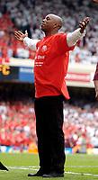 Photo: Daniel Hambury.<br /> Arsenal v Wigan Athletic. The Barclays Premiership. 07/05/2006.<br /> Former Arsenal player Ian Wright.