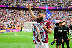 May 27, 2019 - London, England, United Kingdom - Thumbs up from Mile Jedinak (15) of Aston Villa during the Sky Bet Championship match between Aston Villa and Derby County at Wembley Stadium, London on Monday 27th May 2019. (Credit: Jon Hobley | MI News) (Credit Image: © Mi News/NurPhoto via ZUMA Press)