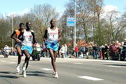 09-04-2006 ATLETIEK: FORTIS MARATHON: ROTTERDAM<br /> De Keniaan Sammy Korir (1) heeft de 26e editie van de marathon van Rotterdam op zijn naam geschreven. Rechts Paul Kiprop Kirui (2de) en achterin Dejene Birhanu<br /> ©2006-WWW.FOTOHOOGENDOORN.NL