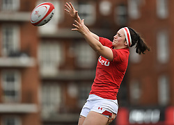 Wales' Mel Clay claims the Line out<br /> Wales Women v Ireland Women<br /> Guinness Six Nations 2019<br /> Cardiff Arms Park<br /> <br /> Photographer Mike Jones/Replay Images<br /> <br /> Guinness Six Nations 2019<br /> Cardiff Arms Park<br /> Cardiff.<br /> 17th March 2019<br /> <br /> World Copyright © Replay Images . All rights reserved. info@replayimages.co.uk - http://replayimages.co.uk