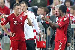 27.07.2011, Allianz Arena, Muenchen, GER, Audi Cup 2011, Finale,  FC Barcelona vs FC Bayern , im Bild Ivica Olic (Bayern #11) Jupp Heynckes (Trainer Bayern) und David Alaba (Bayern #27)  // during the Audi Cup 2011,  FC Barcelona vs FC Bayern  , on 2011/07/27, Allianz Arena, Munich, Germany, EXPA Pictures © 2011, PhotoCredit: EXPA/ nph/  Straubmeier       ****** out of GER / CRO  / BEL ******