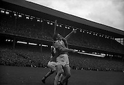 04/09/1960<br /> 09/04/1960<br /> 4 September 1960 <br /> All-Ireland Final: Tipperary v Wexford at Croke Park, Dublin.<br /> Confusion on the pitch two minutes before the final whistle.