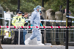 © Licensed to London News Pictures. 07/10/2017. London, UK. Police forensics at the scene of an incident outside the Natural History Museum. Early reports say a man has been arrested after pedestrians were injured in a collision with a car. Photo credit: Ben Cawthra/LNP