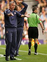 Photo: Frances Leader.<br />Fulham v West Ham. The Barlcays Premiership.<br />17/09/2005.<br />West Ham's mangager Alan Pardew