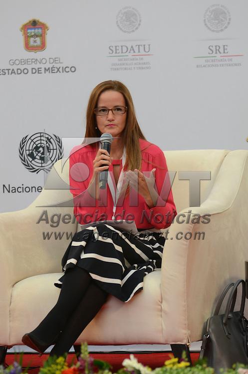 Toluca, México (Abril 18, 2016).- María Soledad Núñez Méndez, dicto la conferencia magistral Ciudades Inclusivas: vivienda adecuada para todos, durante su participación en la Reunión Regional Hábitat 2016.  Agencia MVT / Arturo Hernández.