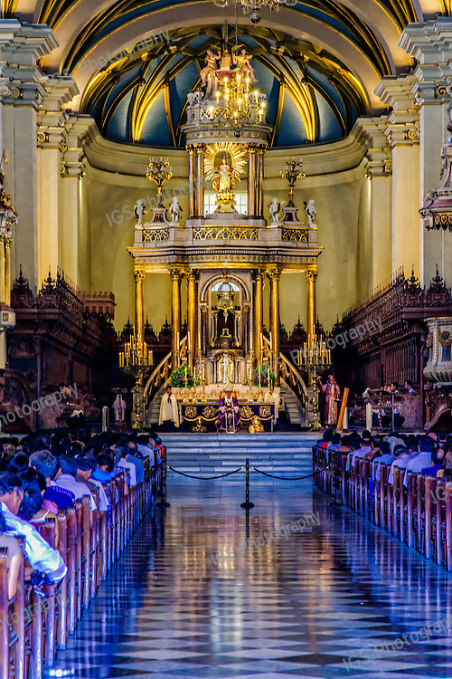 Altar of the Cathedral of Lima,Plaza de Armas